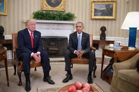 first pictures of donald trump and barack obama in the oval office