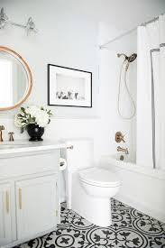 White Tile Bathroom Floor by Best 25 Painting Bathroom Tiles Ideas On Pinterest Paint