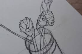 use simple shapes for realistic pencil drawings of flowers
