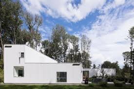 New Jersey House by Very Geometric New Jersey Modern House Knows Its Angles Curbed