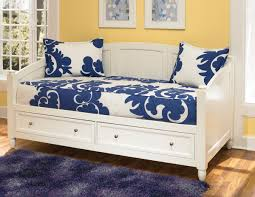 Wooden Daybed Frame Bedroom White Daybed With Storage Drawers On Wood Floor