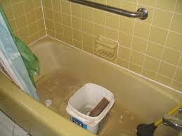 color of tub and tiles