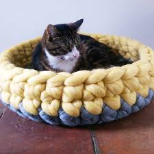 cat bed crochet wool chunky yarn choice of colours by lovecatcaves