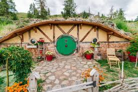 real hobbit house this hobbit house will have you dreaming of middle earth