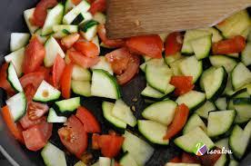 cuisiner courgettes poele recette poêlée de légumes pommes de terre courgette kisoulou