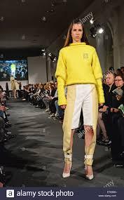 akademie mode design amd akademie mode design graduate fashion show at orangerie