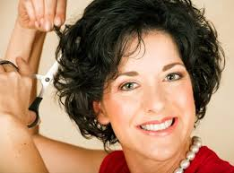 short curly hairstyles for beautiful women over 50 new