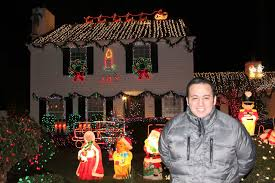 Home Alone Christmas Decorations by Federal Way Man With U0027biggest Passion For Christmas U0027 Lights Up