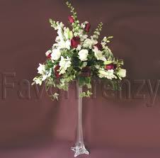Eiffel Tower Vase With Flowers Eiffel Tower Flower Arrangement Wedding Flowers Pinterest