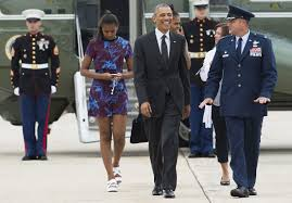 Obama S Vacation The Obama Family Heads To Martha U0027s Vineyard On Vacation Instyle Com