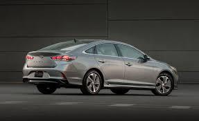 hyundai to add hybrid plug in versions of latest sonata sedan