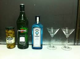 martini gin knifing forking spooning a classic gin martini