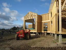 piscine sur pilotis une grande maison en ossature bois sur pilotis en lozère eco