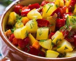 cuisiner les courgettes jaunes recette de ragoût light bicolore de courgettes jaunes et poivrons rouges