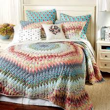 What Is The Difference Between A Coverlet And A Comforter 48 Best Bedding U003e Quilts U0026 Quilt Sets Images On Pinterest