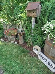 Backyard Decor Ideas Best 25 Primitive Garden Decor Ideas On Pinterest Rustic