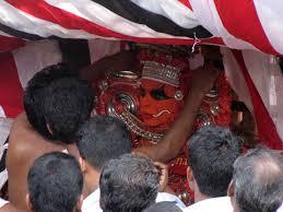 file adjusting the ornaments of kalarivathukkal bhagavathi jpg