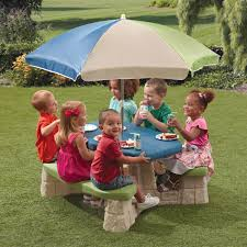 Little Tikes Fold And Store Picnic Table Manual by Naturally Playful Picnic Table With Umbrella Step2