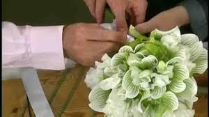 How To Make Bridal Bouquet Video How To Make Bridesmaid Bouquets Martha Stewart Weddings