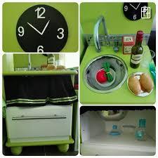 cuisine avec enfant diy fabriquer une cuisine pour enfant avec deux tables de chevet