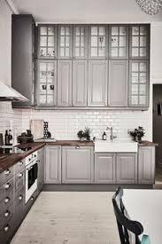 credence cuisine grise cuisine grise de design moderne 25 idées de décoration