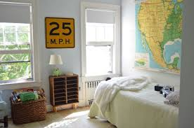 simple decor for a boy u0027s bedroom