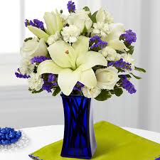 Flowers Delivered With Vase The Ftd Beyond Blue Bouquet Blue U0026 White