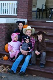 Halloween Costume Themes For Families by 86 Best Charlotte U0027s Web Costumes Images On Pinterest Costume