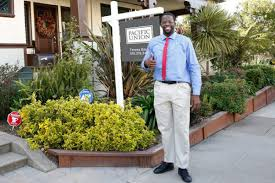 warriors u0027 draymond green dressed in khakis tries to sell a home