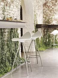 stool with ergonomics by stua