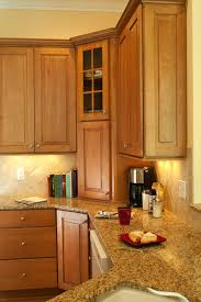 kitchens with maple cabinets raised panel maple cabinets traditional kitchen design
