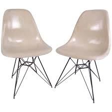 early large biscuit eames zenith ivory dar fiberglass chair on