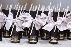 wedding guest gift 27 coolest drinkable wedding guest favors weddingomania