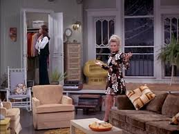 Julianne Moore Apartment - the mary tyler moore show
