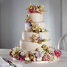 amazing wedding cakes amazing wedding cake with flowers
