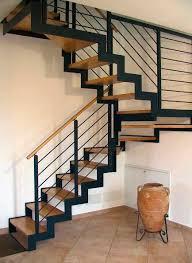 U Stairs Design Escalera En U Estructura De Metal Peldaño De Madera Con