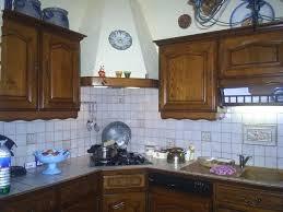 repeindre cuisine en bois meuble de cuisine rustique repeindre des meubles de cuisine