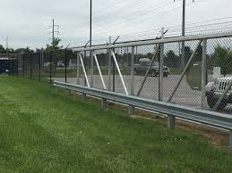 commercial industrial fence falls city fence louisville ky