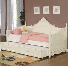 White Metal Daybed Best 25 Wooden Daybed With Trundle Ideas On Pinterest Wooden