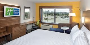 Office Furniture Peoria Il by Holiday Inn Express U0026 Suites East Peoria Riverfront Hotel By Ihg