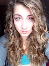 can hair be slightly curly or wavy curly hair wavy hair tutorial 1 wet your hair and run mousse