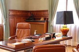 bureau maire de le bureau du maire et la cellule de crise de la préf l hebdo du