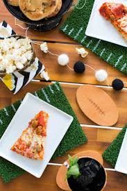 10 best football party decorations super bowl party ideas
