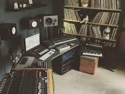 chambre d enregistrement épinglé par staz sur muzzo