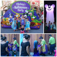 halloween time at disneyland livin u0027 the mommy life
