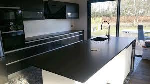 plan de travail cuisine granit noir cuisine plan de travail et îlot central en granit noir