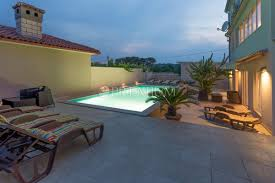 pula sale of exclusive villa with 4 apartments and swimming pool