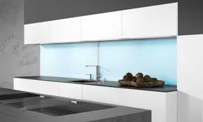 plexiglas für küche küchenrückwand mit led gestalten tipps infos hier