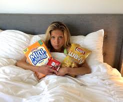 will eating before sleep make you gain weight bedtime snacks that