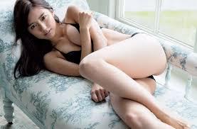 Erina Mano nude|真野恵里菜(27)のセミヌード、下着姿、水着グラビア画像45枚 ...